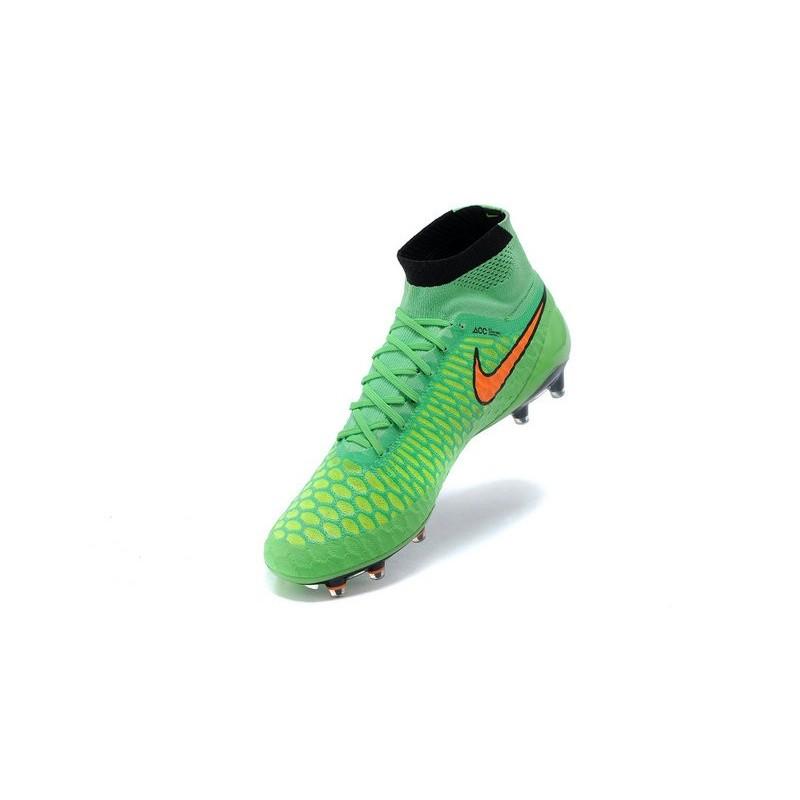 chaussure de foot nike pas cher 2015